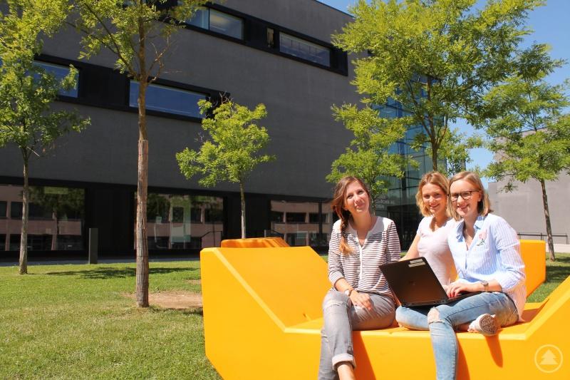 Studierende am Campus der THD