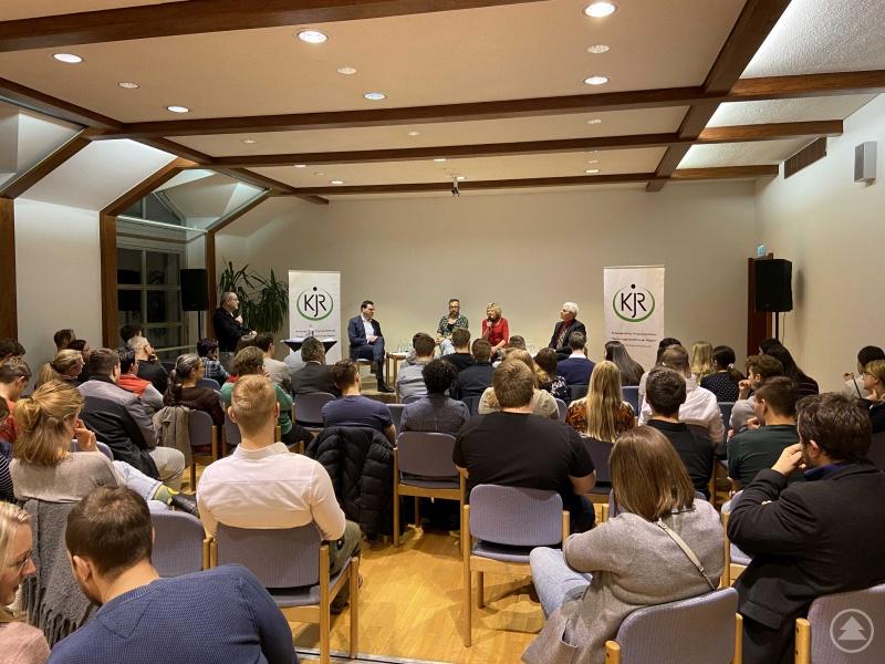Angeregte Diskussionen mit (v.l.) Moderator Martin Gruber, Sebastian Gruber, Hans-Jürgen Hödl, Hilde Greiner und Max Pöschl
