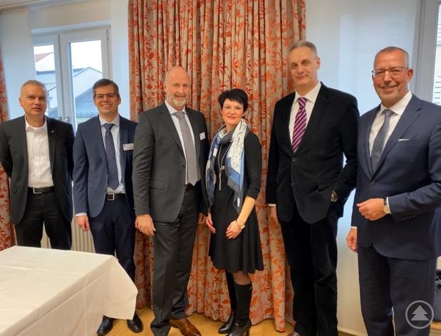 v.l. Dr. Martin Trost, Christian Berger, Wolfgang Beeg, Pamela Baierl, Raimund Mader, Dr. Peter Leidel