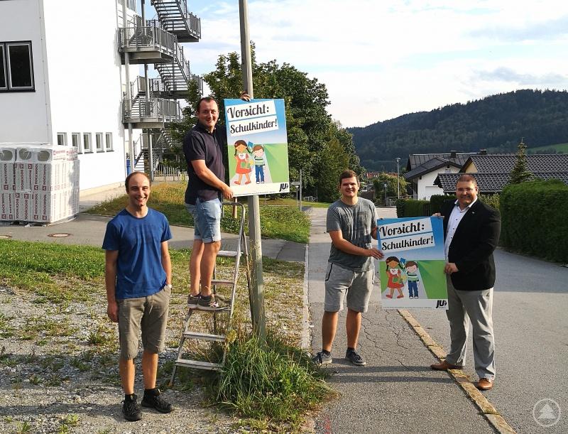 (v. l.) Stadtrat Sebastian Weber, stellv. Ortsvorsitzender Ludwig König, Martin Höppler und Ortsvorsitzender Stadtrat Christoph Weishäupl.