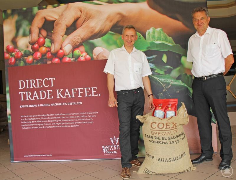 Freuen sich den Nationalpark Montecristo unterstützten zu können: Unternehmer Jens Kirmse (links) und Nationalparkleiter Franz Leibl.