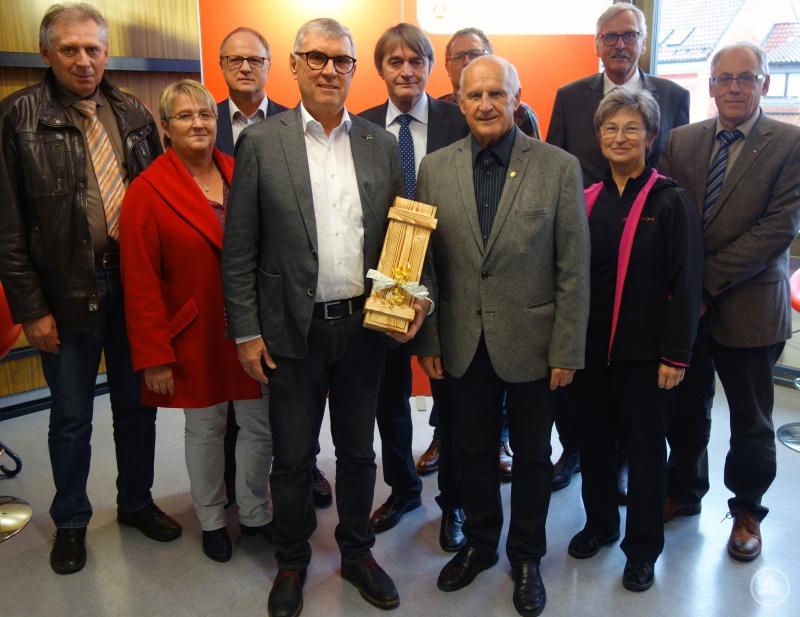 von links nach rechts: Wendelin Hegedüsch, Johanna Granat, Erich Starkl, Josef Meisinger, Dr. Klaus Stein, Christian Erntl, Frank Kubitschek, Dr. Jürgen Weber, Gerlinde Kaupa, Günter Schmiedl