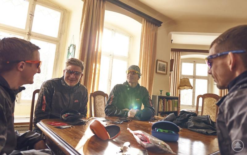 Das Gore Wear XC-RUN.DE Team im Schloss Buchenau.