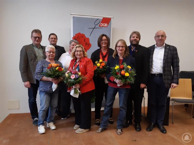 v. l.: Fritz Schreder, Monika Ebner, Andreas Schmal, Heike Stoffels, Angela Wölfl, Ingrid Kufner, Bettina Blöhm, Thomas Kaehler, Christian Schlag