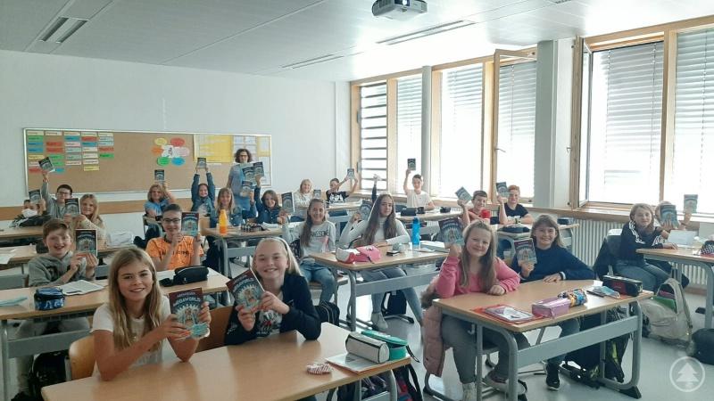"""Die Schülerinnen und Schüler freuen sich schon sehr auf die """"Abenteuer in der Megaworld""""."""