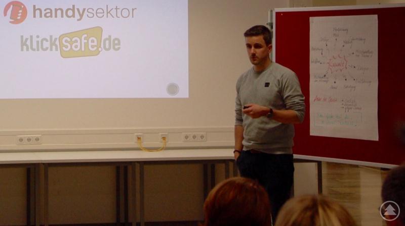 Referent Philipp Roth, Medienpädagoge und Lehrer am LLG