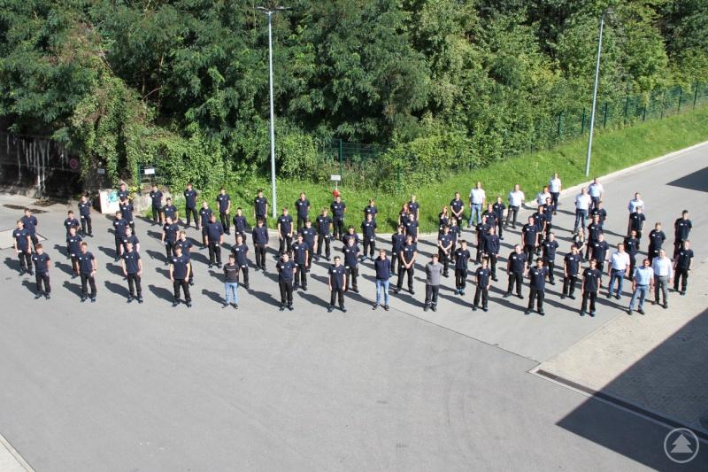 69 junge Menschen, darunter sechs dual Studierende, starteten jetzt bei ZF am Standort Passau ihre Ausbildung.