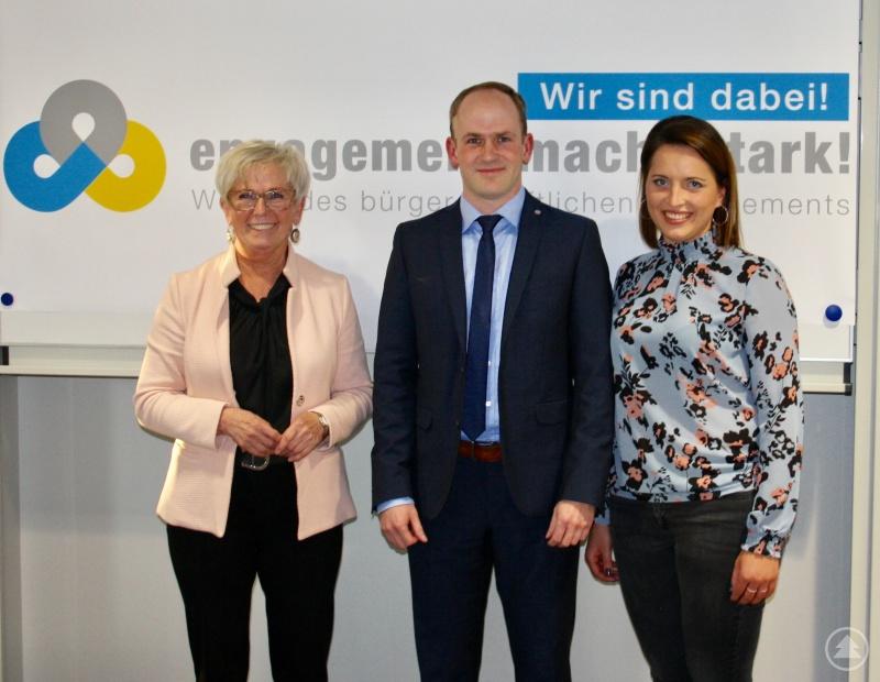 Gemeinsam gestalteten Regens Landrätin Rita Röhrl, Referent Ludwig Wenzl und Projektbetreuerin Maria Schneider den Infoabend zum Thema Vereinsrecht.