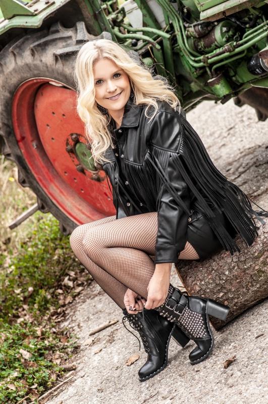 Sängerin Tammy aus Schöllnach