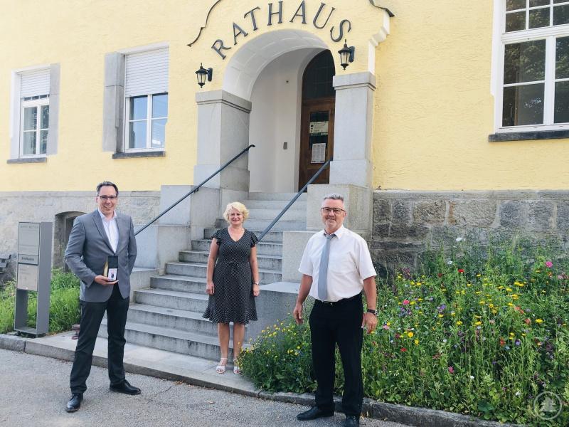 v.l.: Andreas Moser (1. Bürgermeister), Rita Hagl-Kehl, MdB (Parlamentarische Staatssekretärin), Herbert Stadler (2. Bürgermeister).