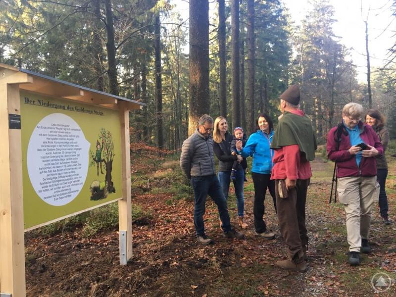 Nach der Eröffnungsfeier schnürten einige der Gäste ihre Wanderschuhe und erkundeten einen Teil des ca. 10 km langen Rundwanderwegs.