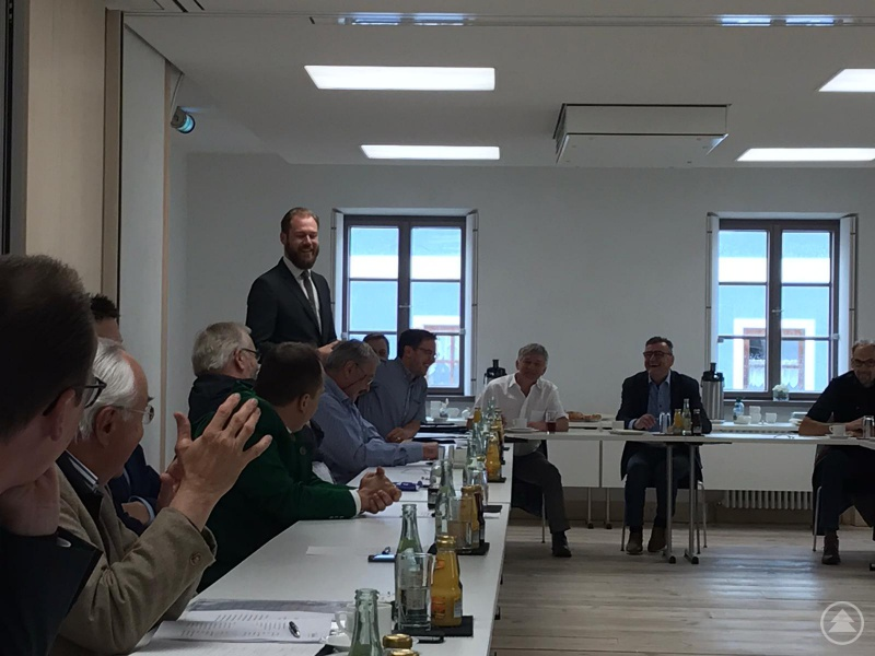 Freudige Gesichter bei der Vorstandssitzung der ILE Ilzer Land