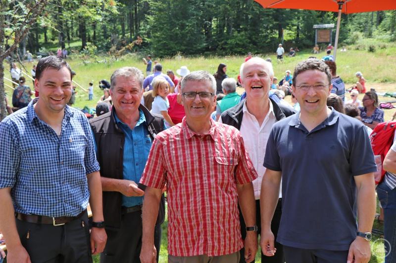 Begeistert von der guten Stimmung waren Landrat Sebastian Gruber (von links), Nationalparkleiter Franz Leibl, Landtagsabgeordneter Alexander Muthmann, Umweltbildungsreferent Lukas Laux und Landtagsabgeordneter Max Gibis.