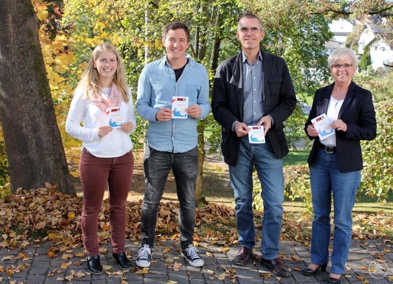 Sonja Graßl, Alexander Lange, Matthias Wagner und Landrätin Rita Röhrl stellten das Projekt der Öffentlichkeit vor.