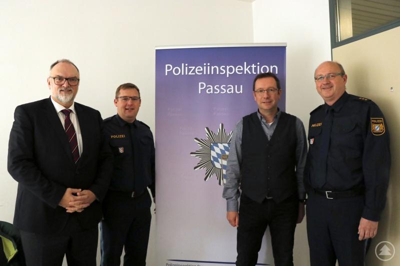von links: Oberbürgermeister Jürgen Dupper, stv Leiter der PI Passau Christian Dichtl, Ordnungsamtsleiter Erik Linseisen, Leiter der PI Passau Stefan Schillinger.