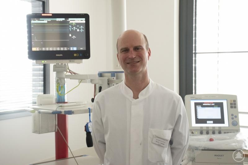 Privatdozent Dr. Joachim Scheßl, der neue Leiter der neurologischen Intensivstation