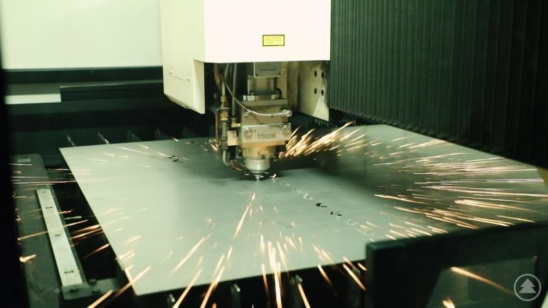 Präzisionsarbeit mit Lasertechnik in den Passauer Dreiflüsse Werkstätten der Caritas.