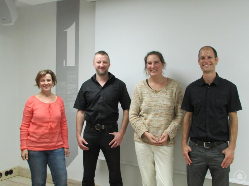 von links: Manuela Müller, Landwirt Hans-Günter Denk, Corinna Ullrich, Dr. Marco Denic