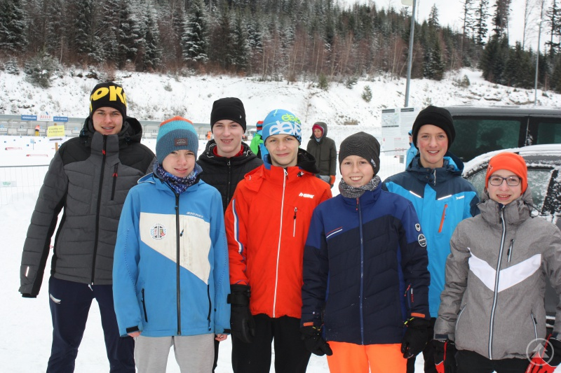 v.l. Jakob Haselberger, Alexander Bauer, Dominik Gibis, Timo Brandl, Benedikt Müller, Luca Ratzisberger, Simon Sammer