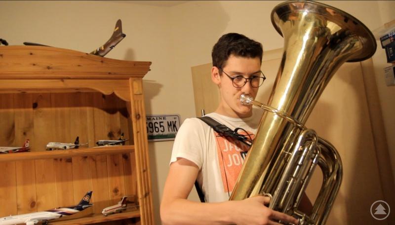 Alexander Laudi (10a) an der Tuba