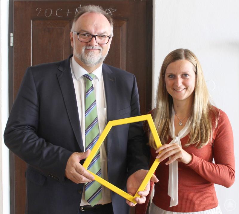 Oberbürgermeister Jürgen Dupper und Theresa Humer vom Ronald McDonald Haus und Oase Passau hoffen auf mehr ehrenamtliche Helfer.