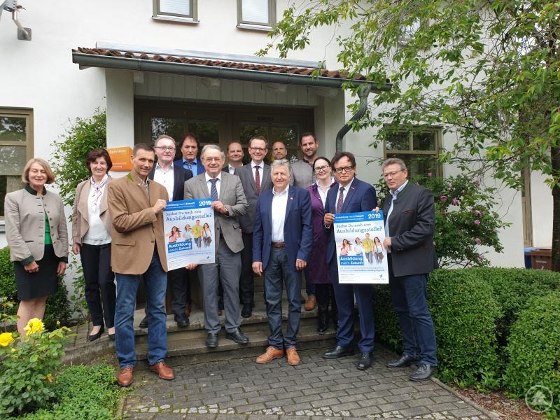 """Auftaktveranstaltung zu """"Ausbildung macht Zukunft"""" 2019 bei der Schreinerei Kastl in Leiblfing"""