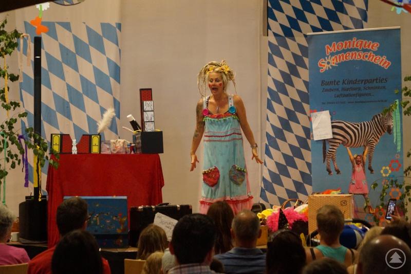 Monique Sonnenschein bei ihrem Auftritt während des Familienfestes im Kulturforum.