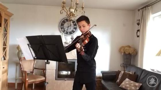 Johannes Moritz (8a) an der Violine