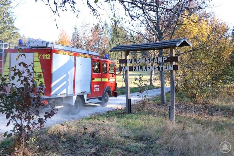 Die Feuerwehr Ludwigsthal rückte als erste im Wildniscamp an.