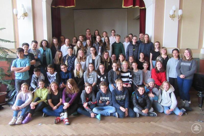Bunt gemischt: In den nächsten beiden Jahren werden sich die Schülerinnen und Schüler aus Bayern und aus Böhmen bei verschiedenen Aktivitäten näher kennenlernen.
