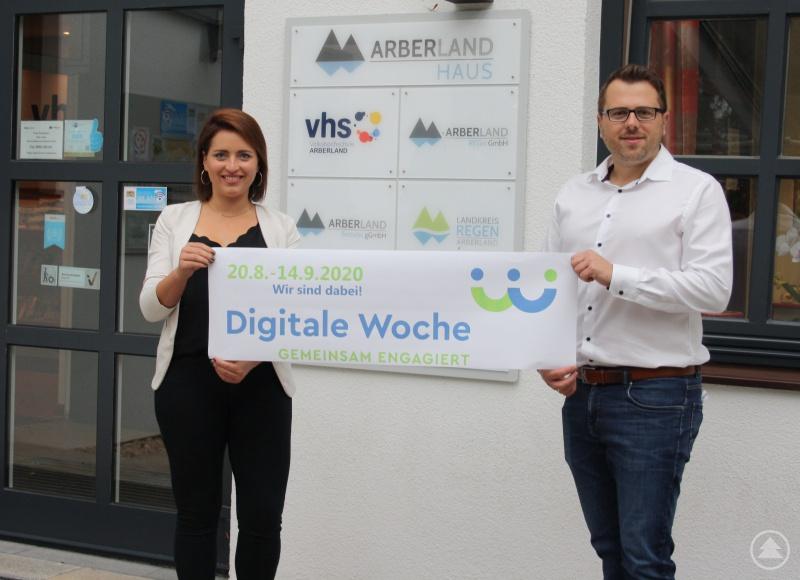 Ehrenamtsansprechpartnerin Maria Schneider und Regionalmanager Tobias Wittenzellner