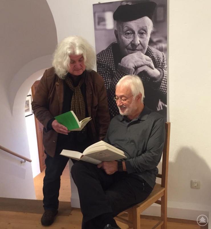 Karl-Heinz Reimeier (re.) und Jakob Wünsch in der Galerie Wolfstein.