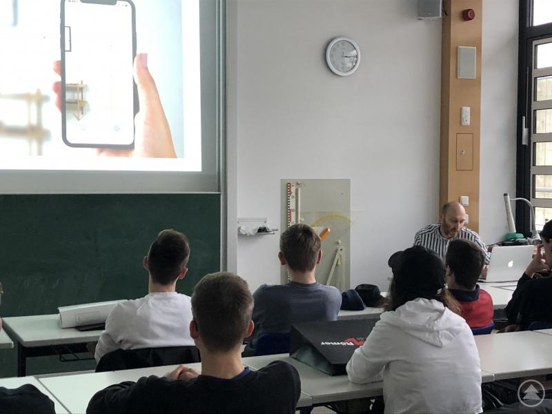 Die Vertreter unterschiedlichster Unternehmen und Einrichtungen aus dem Landkreis trafen auf interessierte Schülerinnen und Schüler der drei Gymnasien im Landkreis Freyung-Grafenau