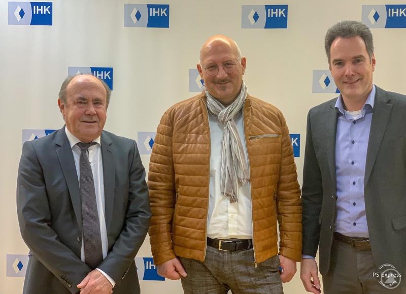 Peter Sonnleitner (von links), MdL Manfred Eibl und Alexander Schreiner sprachen bei einem Besuch in der IHK Niederbayern in Passau über Themen, die wirtschafts- und verkehrspolitisch in München in den Fokus gerückt werden könnten.