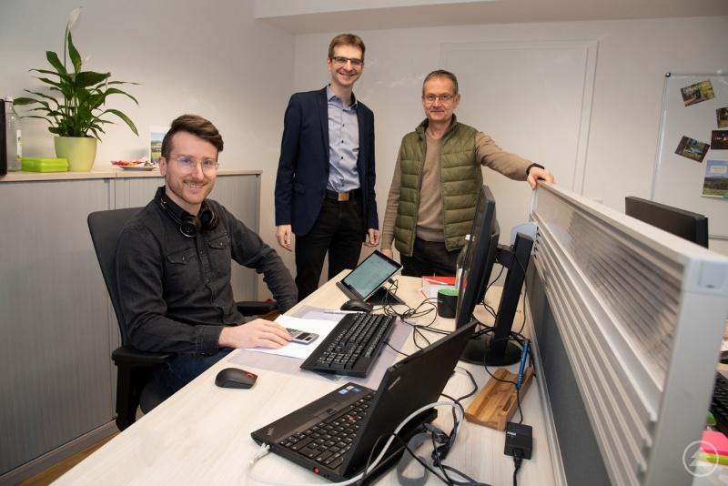 Marco Eller, Mitarbeiter von bulicek + ingenieure GmbH, Karlheinz Roth (Bürgermeister Spiegelau), Rainer Bomeisl (Technologie Campus Grafenau)