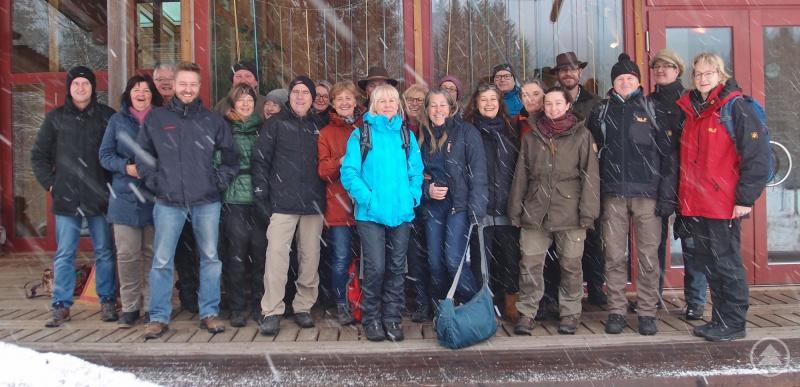 Im Rahmen der Schulung wurden auch die Nationalparkeinrichtungen wie das Wildniscamp am Falkenstein besucht.