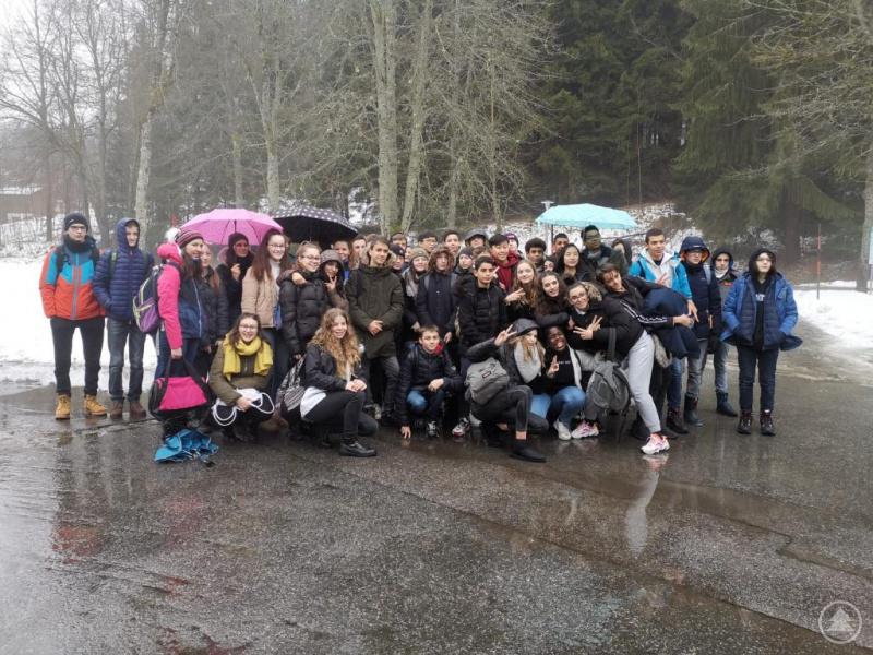 Die Freyunger Gymnasiasten mit ihren französischen Austauschpartnern.
