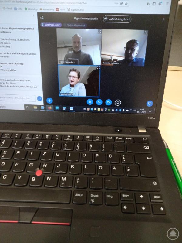 Die Videokonferenz, in der Kreisobmann Siegfried Jäger und BBV-Geschäftsführer Stefan Hageneder das Problem schilderten.