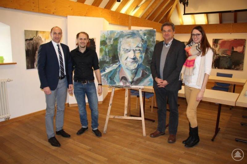 Bürgermeister Ernst Kandlbinder, Künstler Florian Hannig, Nationalparkleiter Franz Leibl und Beatrice Eller von der Tourist-Info bei der Ausstellungseröffnung.