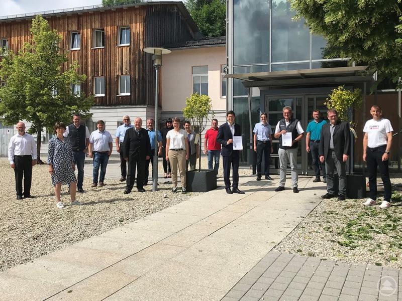 Die Vertreter des Nationalparks Bayerischer Wald und der Ferienregion Nationalpark Bayerischer Wald freuten sich über die Unterzeichnung des Kooperationsvertrages.