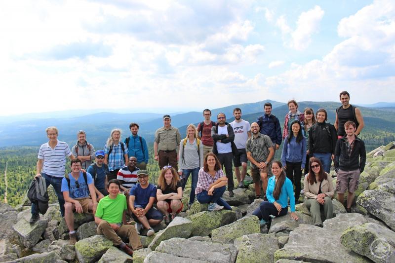 Beim international besetzten Workshop verschafften sich die Teilnehmer am Lusengipfel selbst ein Bild des zu vermessenden Nationalparks Bayerischer Wald.