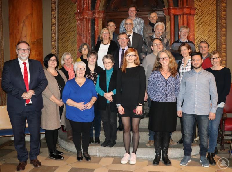 Oberbürgermeister Jürgen Dupper tauschte sich mit dem Lenkungsausschuss Integration, den zuständigen Stellen der Stadt und Vertretern verschiedener Helferkreise aus.