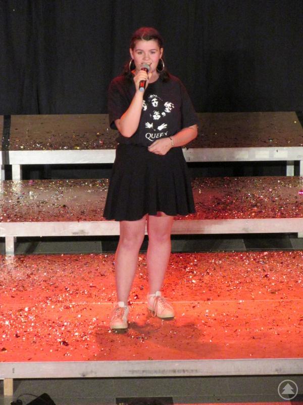 """Lilien Marton sorgte mit ihrer Interpretation von """"Too much love will kill you"""" für Gänsehaut."""