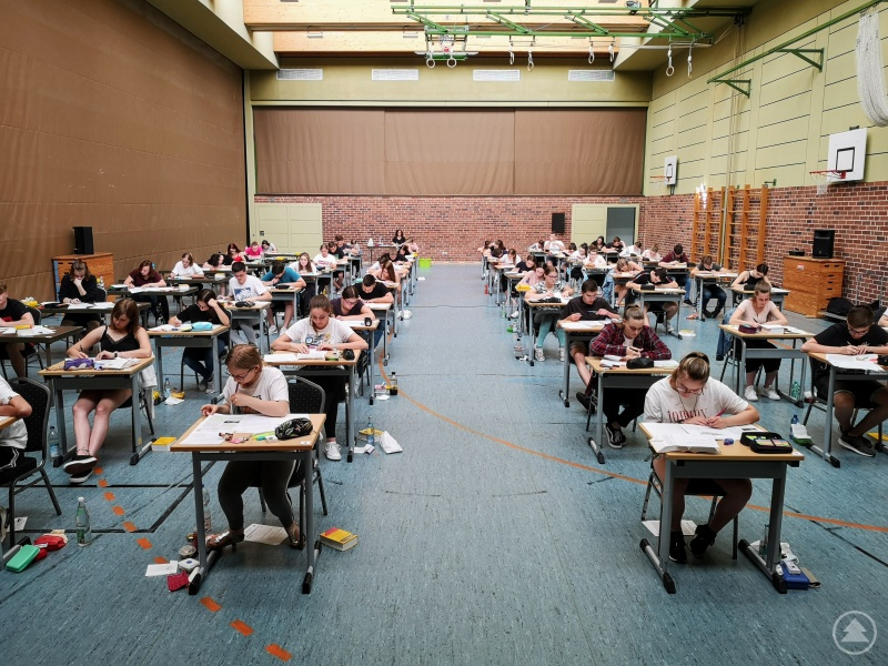 Die Grafenauer Realschüler starteten mit Deutsch zum Abschluss-Endspurt.