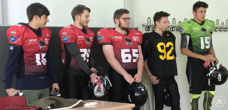 Die fünf Jugendspieler (v. l.): Johannes von Langsdorff, Stefan Kammerer, Quirin Sellmayer, Noah Poitner und Tim Gaisbauer.