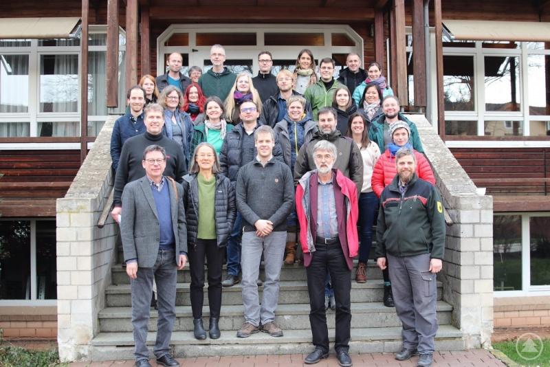 Zum zweiten Workshop des Forschungsprojekts trafen sich Nationalparkvertreter und Forscher aus vier Ländern in der Holzfachschule in Bad Wildungen im Nationalpark Kellerwald-Edersee.