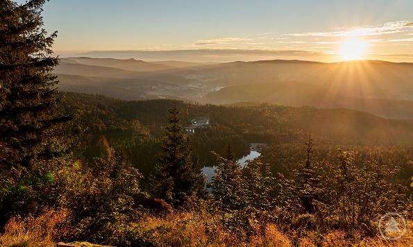 Pünktlich zum Beginn der Herbstferien zeigt sich die FNBW mit milden Temperaturen und einem goldenen Naturkleid noch einmal von ihrer strahlendsten Seite