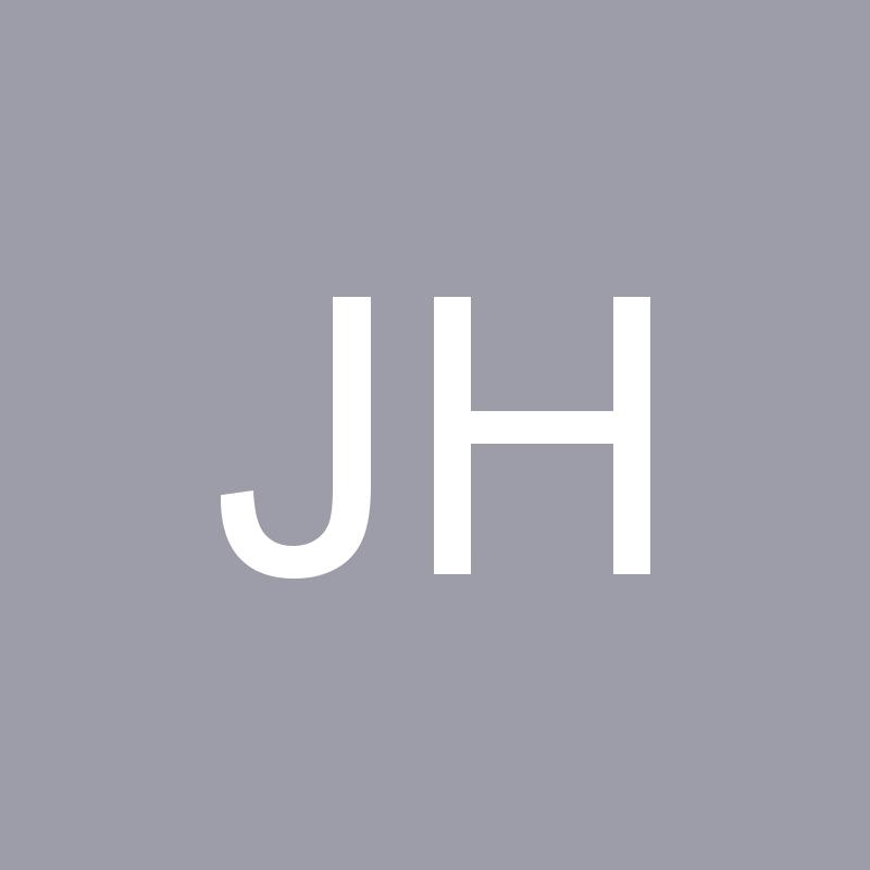 Julia Holz