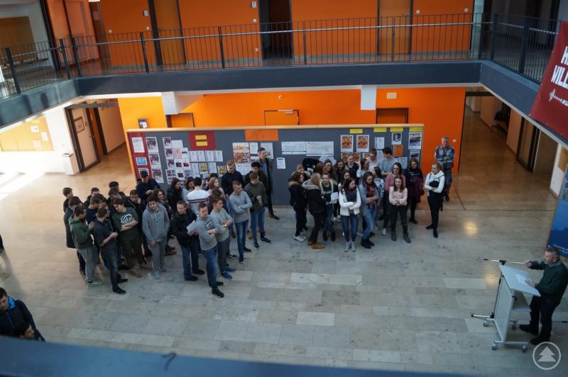 Rund 200 Schüler der Q 11 der drei Landkreisgymnasien haben sich über das Ausbildungs- und Berufsangebot verschiedenster Firmen aus dem Landkreis Freyung-Grafenau informiert.