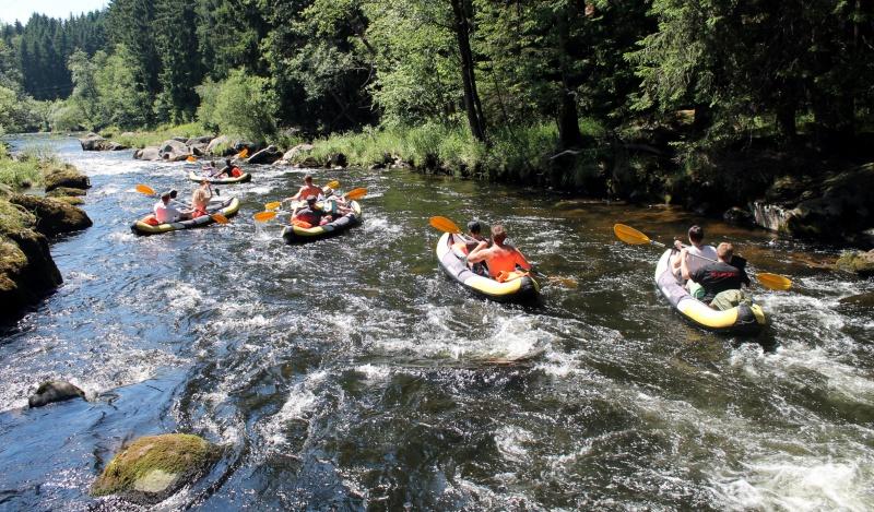 Kanutouren als Outdoor-Angebot bei Jugendreisen im ARBERLAND.
